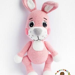 вязаные игрушки розовый зайчик