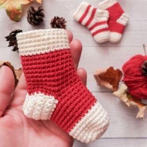рождественский носок крючком схема амигуруми